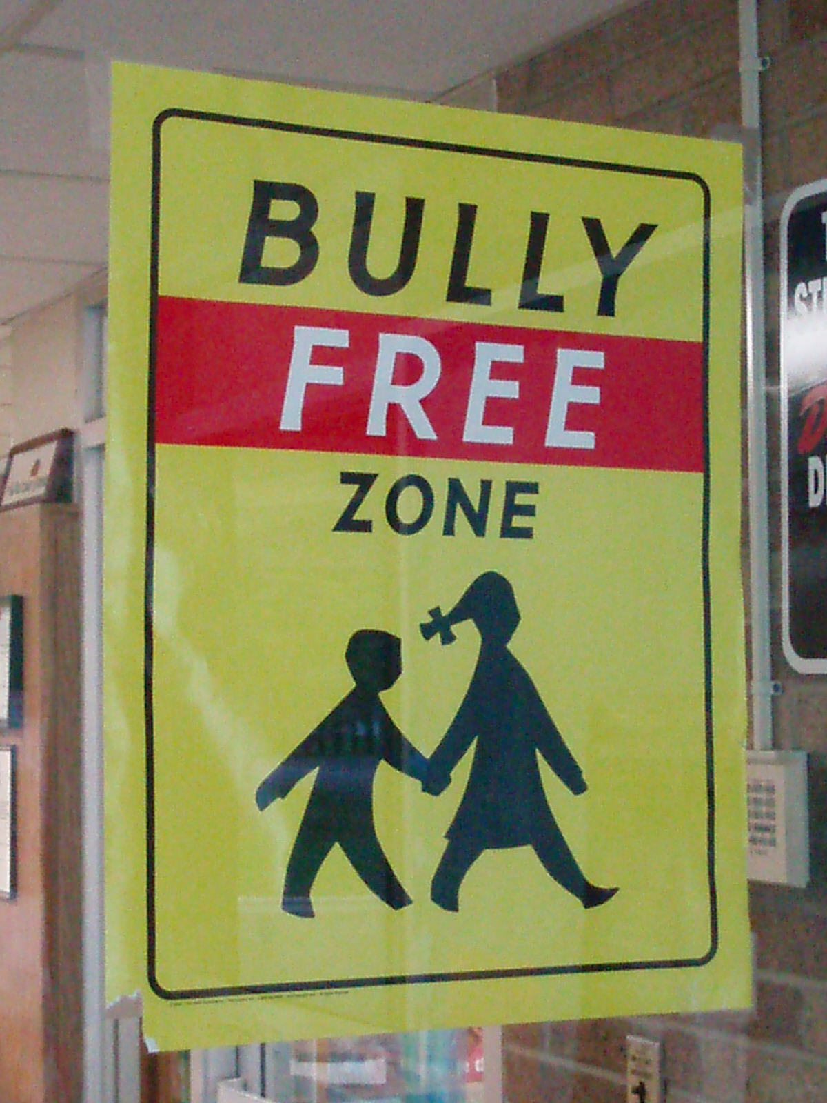 By Eddie~S (Bully Free Zone  Uploaded by Doktory) [CC-BY-2.0  (www.creativecommons.org/licenses/by/2.0)], via Wikimedia Commons