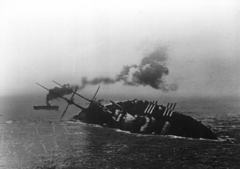 Photo 1918 Sinking of Battleship SMS Szent István