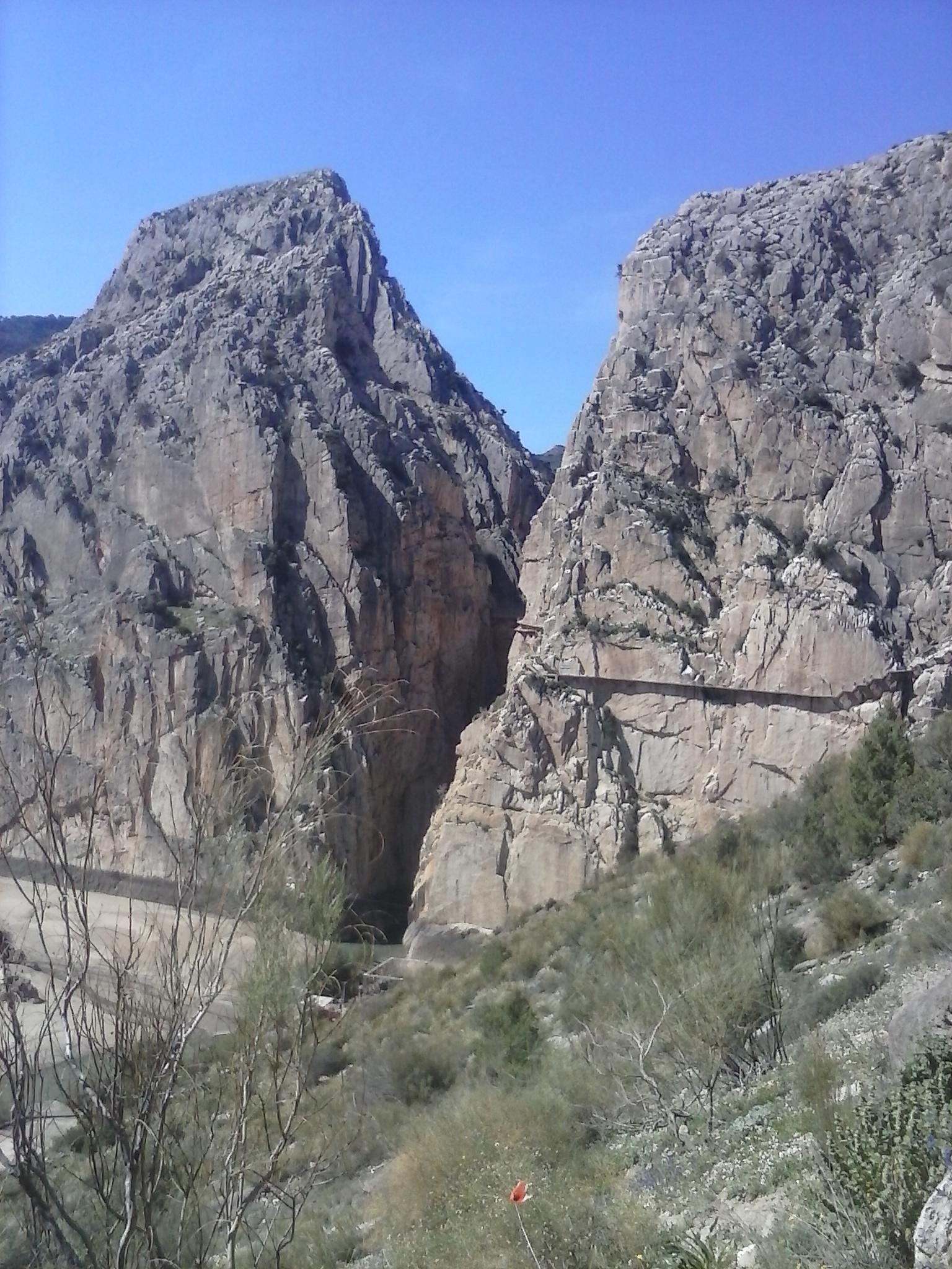 CAM01070.jpg Español: Desfiladero de los Gaitanes Date 30 March 2015, 15:57:28 Source Own work Author Mentefria88