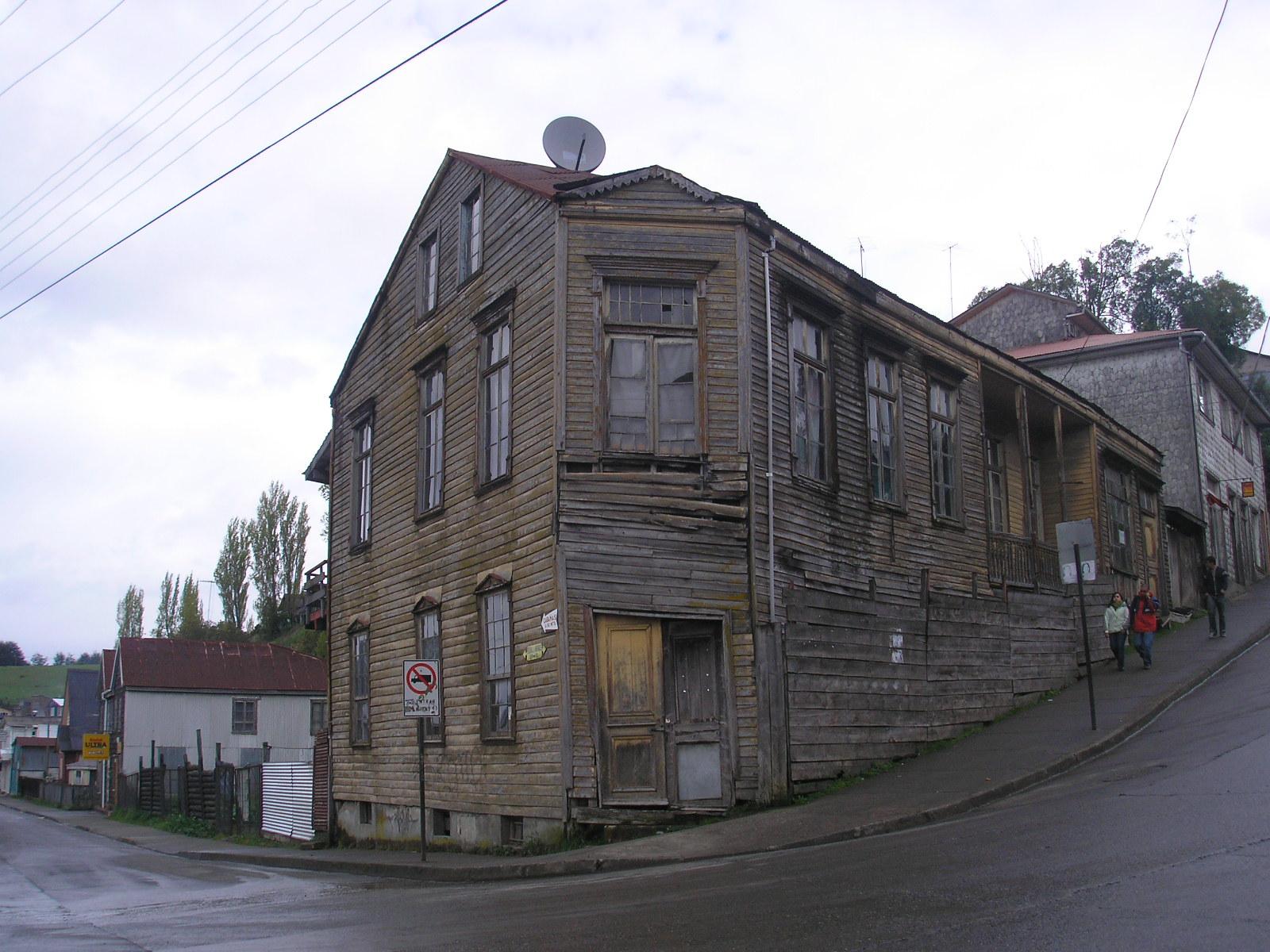 File calle centenario vivienda en madera jpg wikimedia for Viviendas en madera