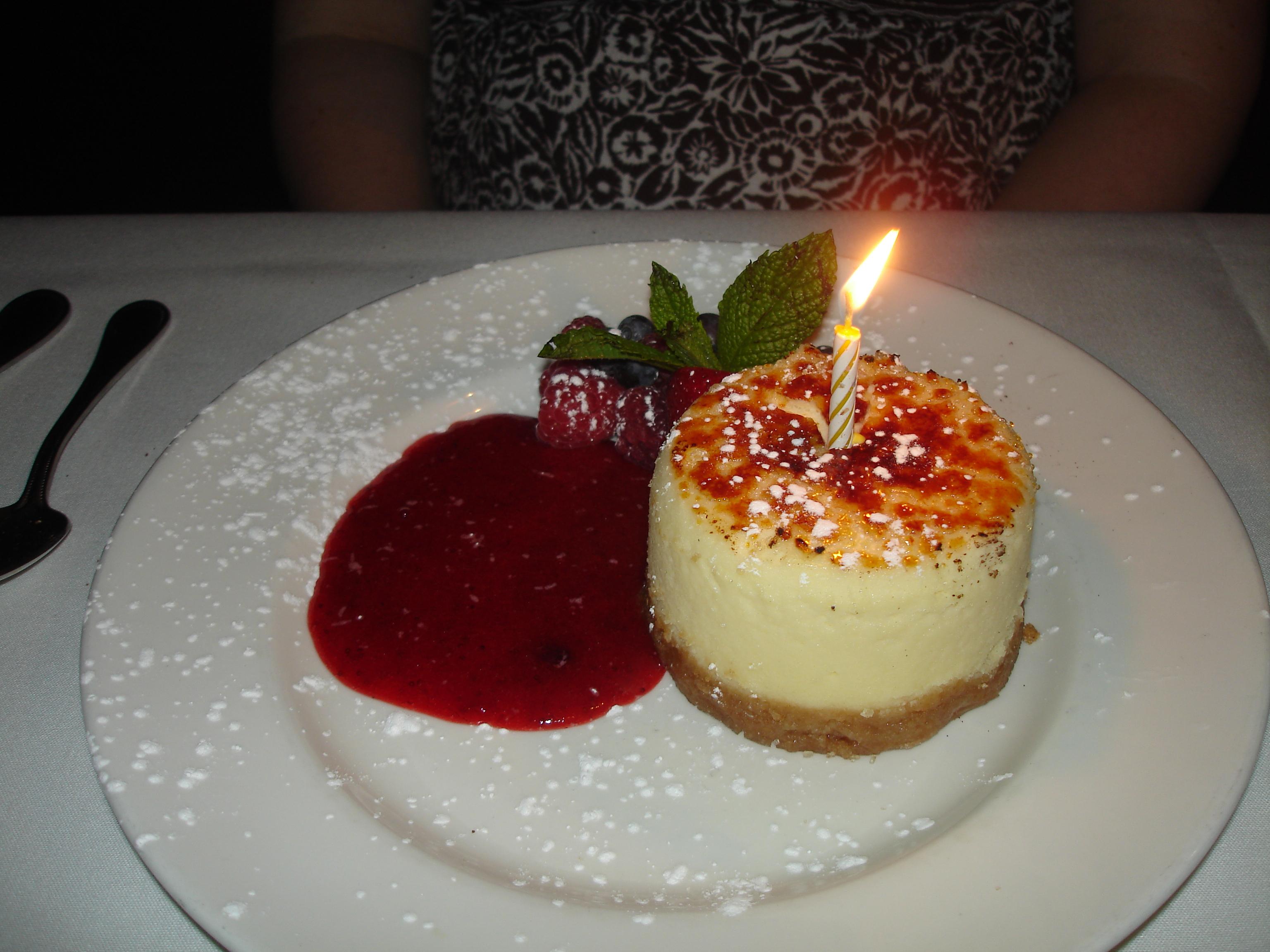 Description Creme Brulee Cheesecake.jpg