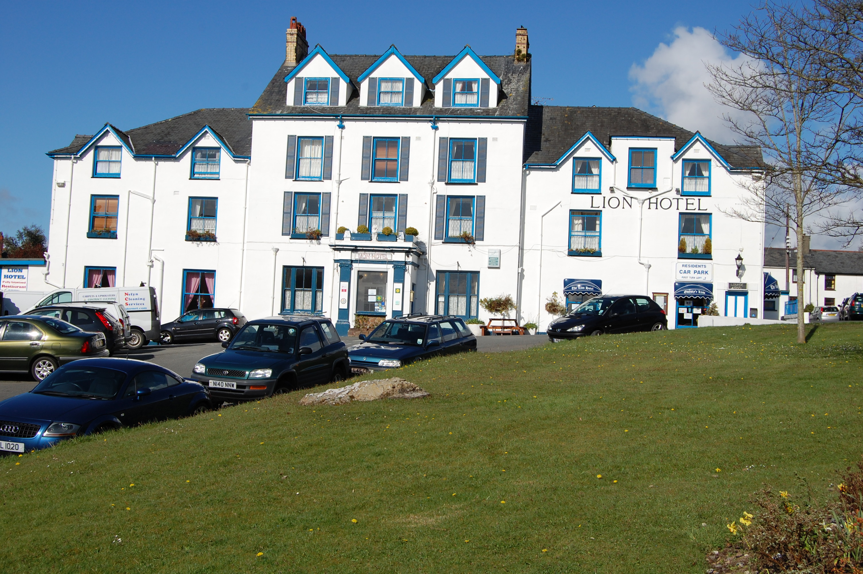 Lion Hotel Criccieth Dog Friendly
