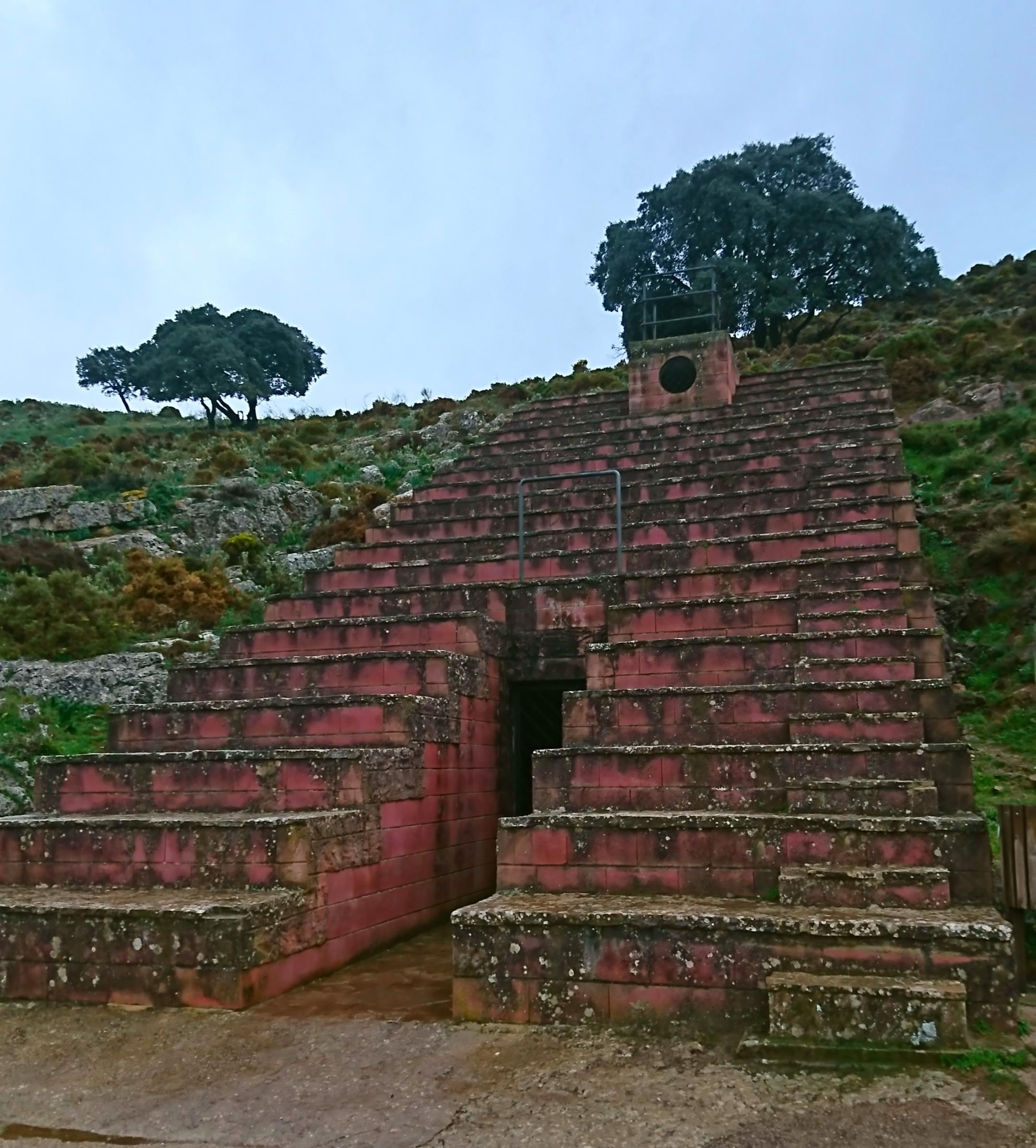 Cueva de Ardales - Wikipedia, la enciclopedia libre