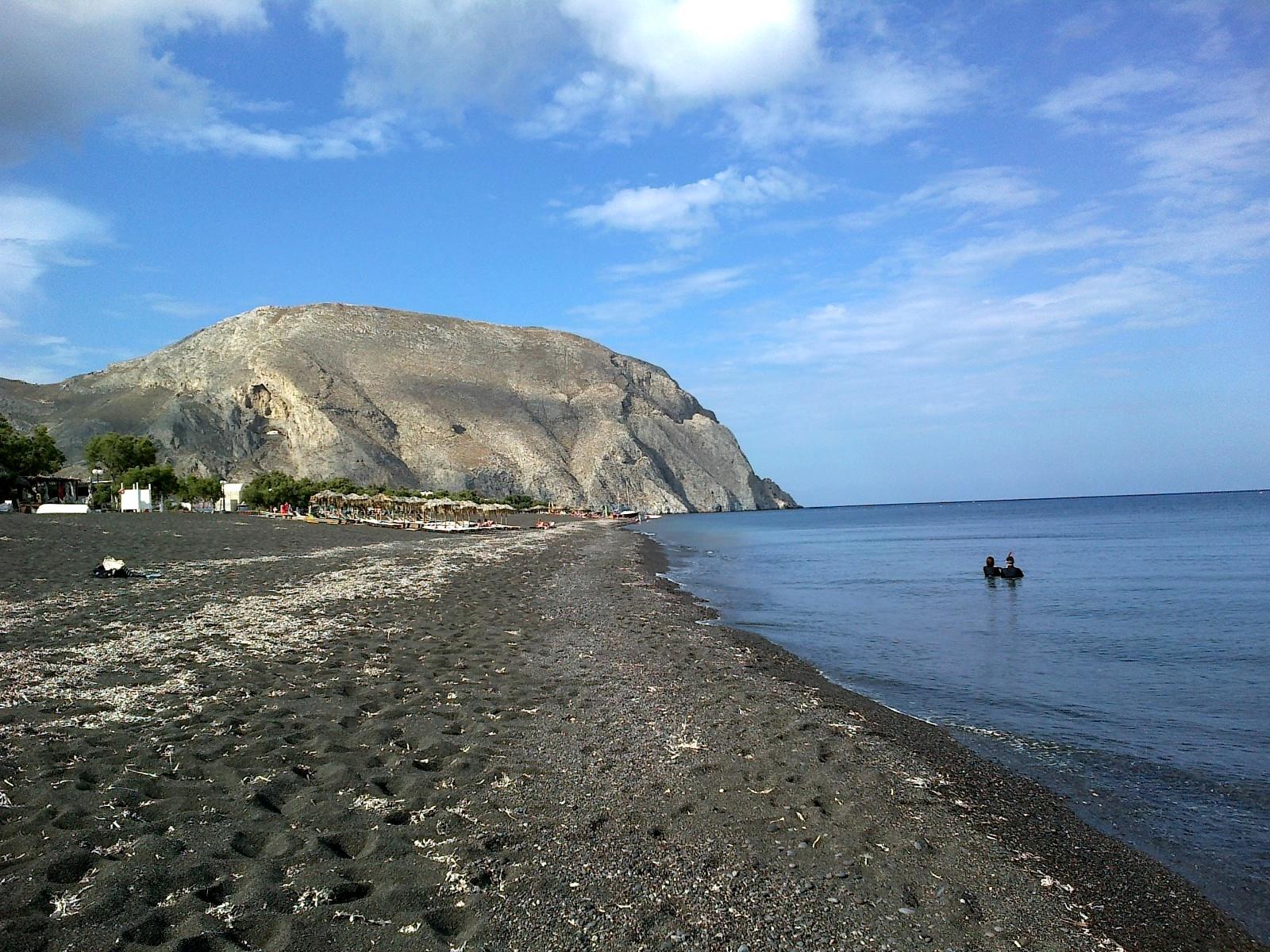 File:Cyclades Santorin Perissa Plage - panoramio.jpg