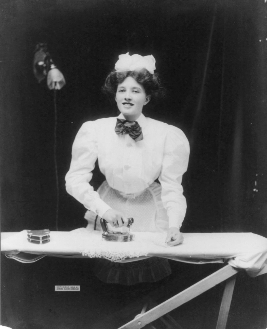 Electric Irons From The 1900s ~ Bügeleisen wikipedia