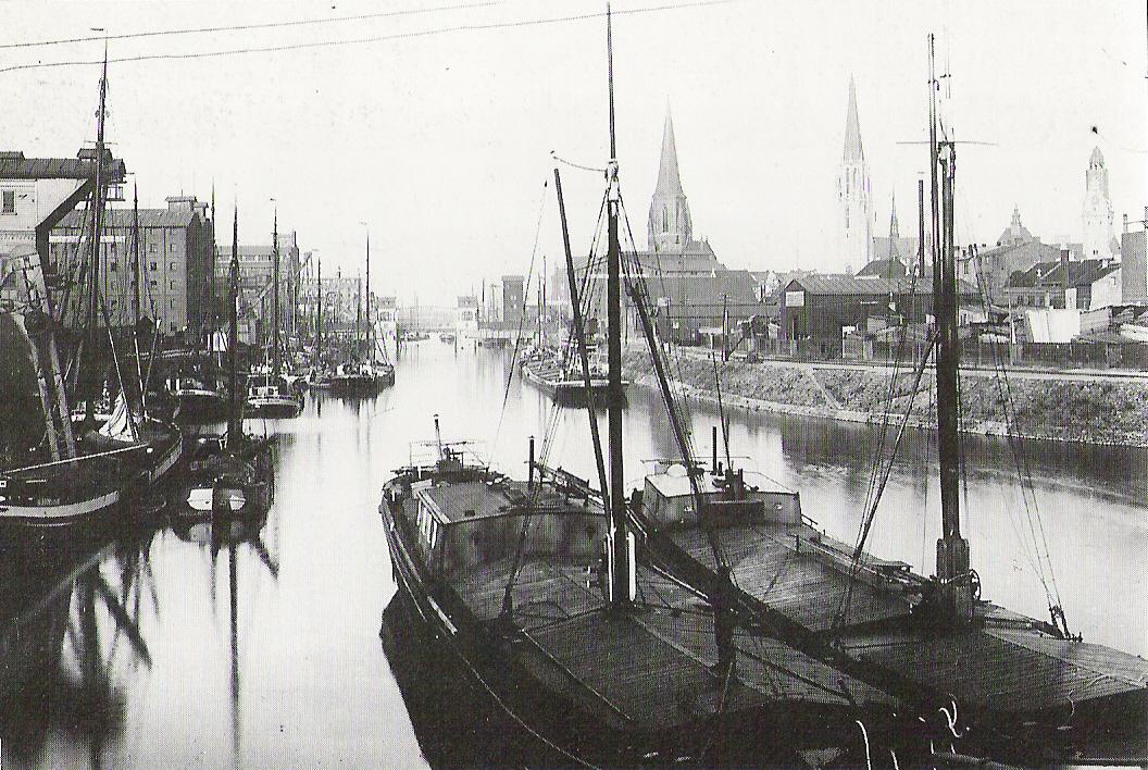 Duisburg Inner Harbour - Wikipedia