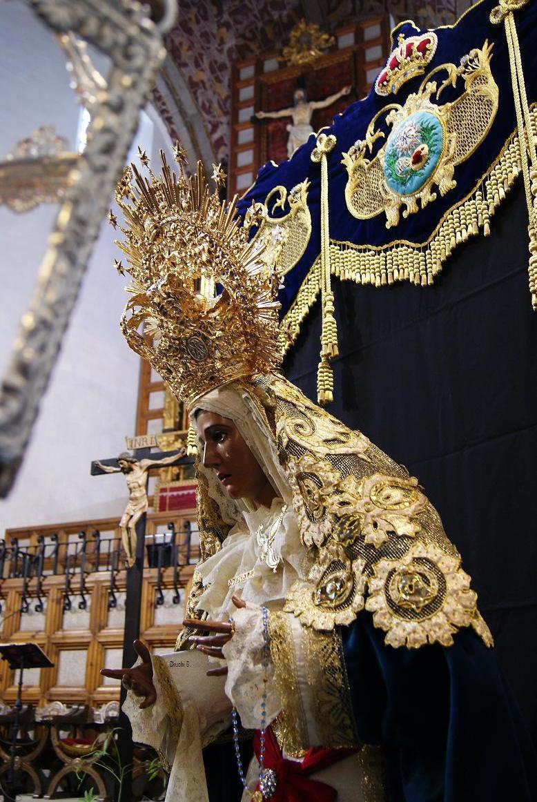 Hermandad de nazarenos de Jesús Redentor ante Caifás y Nuestra Señora de la Estrella de Ávila ...