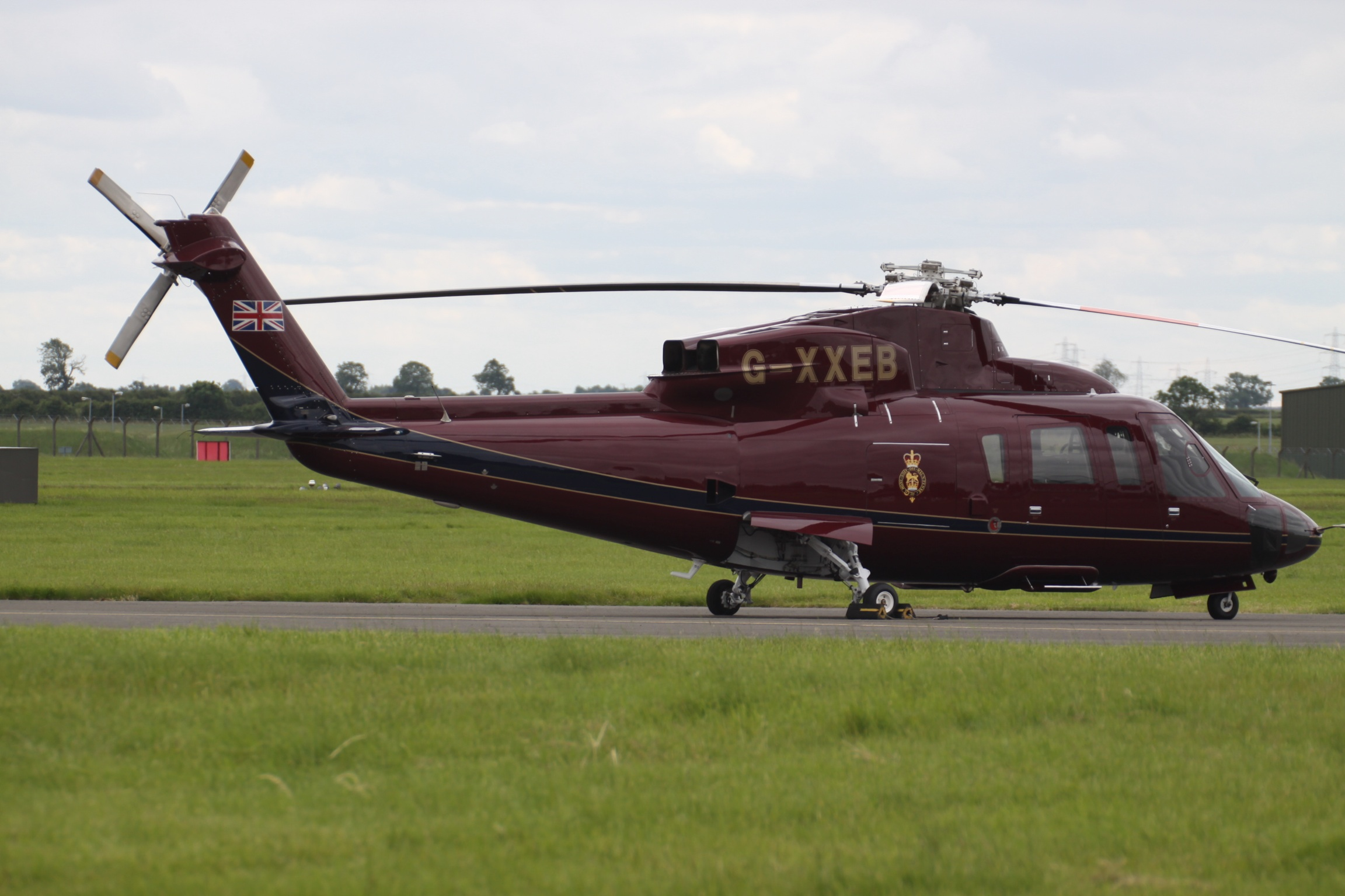 File:G-XXEB Sikorsky S-76C-2 The Queens Helicopter Flight (8596392766 ...