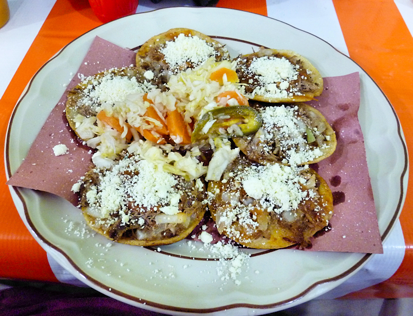 File:Garnachas del Istmo de Tehuantepec.jpg
