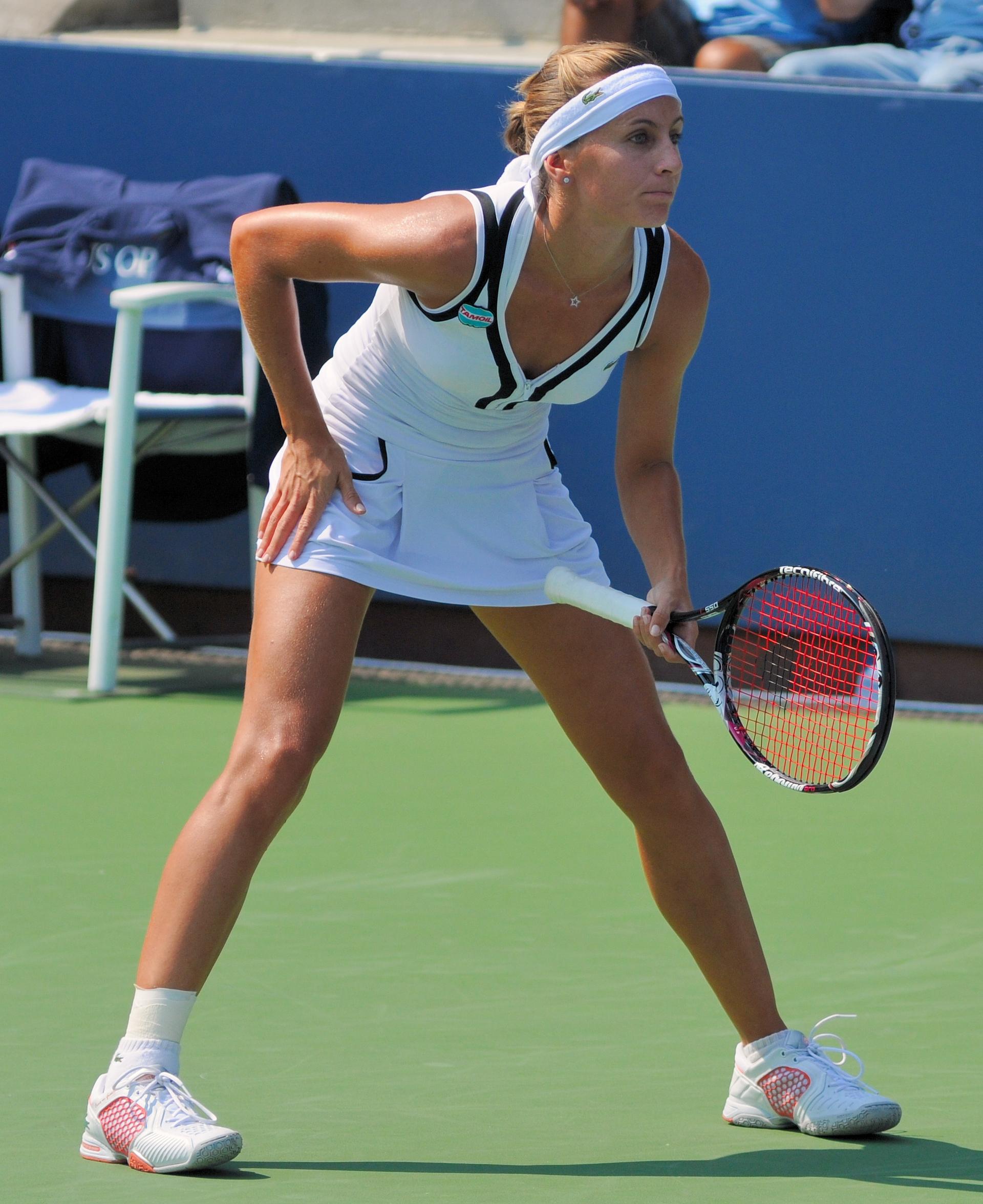 File:Gisela Dulko at the 2010 US Open 05.jpg