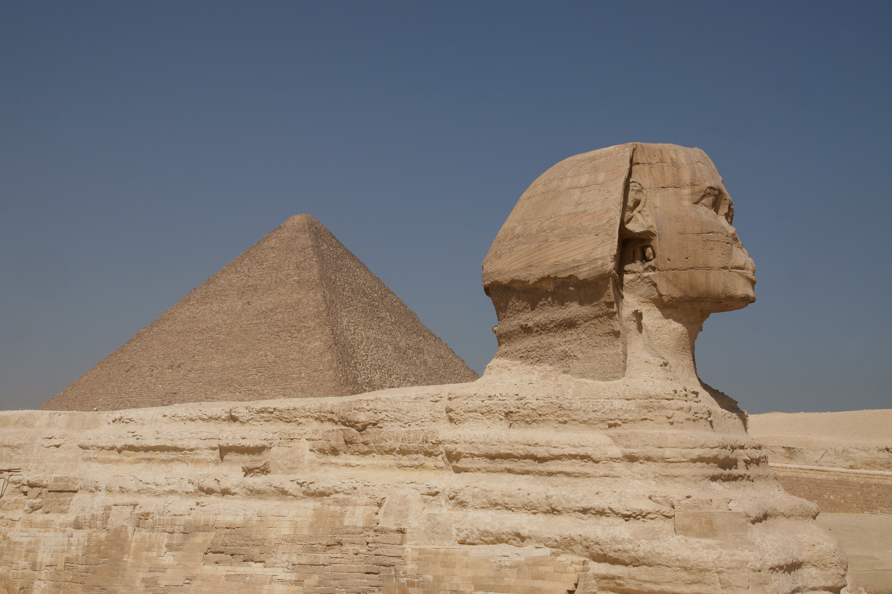 Fichier:Great Sphinx of Giza and Pyramid of Cheops.jpg ...