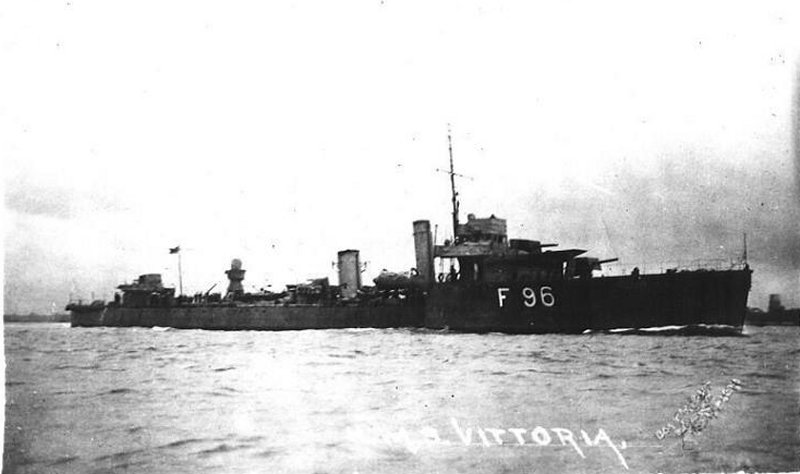 https://upload.wikimedia.org/wikipedia/commons/a/a2/HMS_Vittoria_%281917%29.jpg