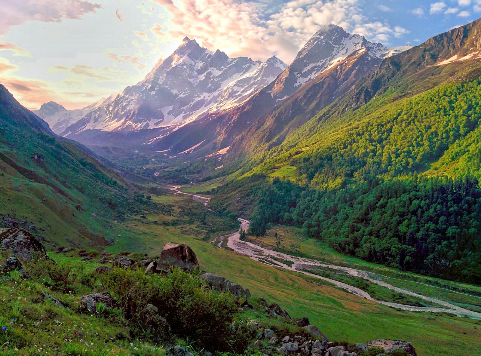 Har Ki Doon Valley.