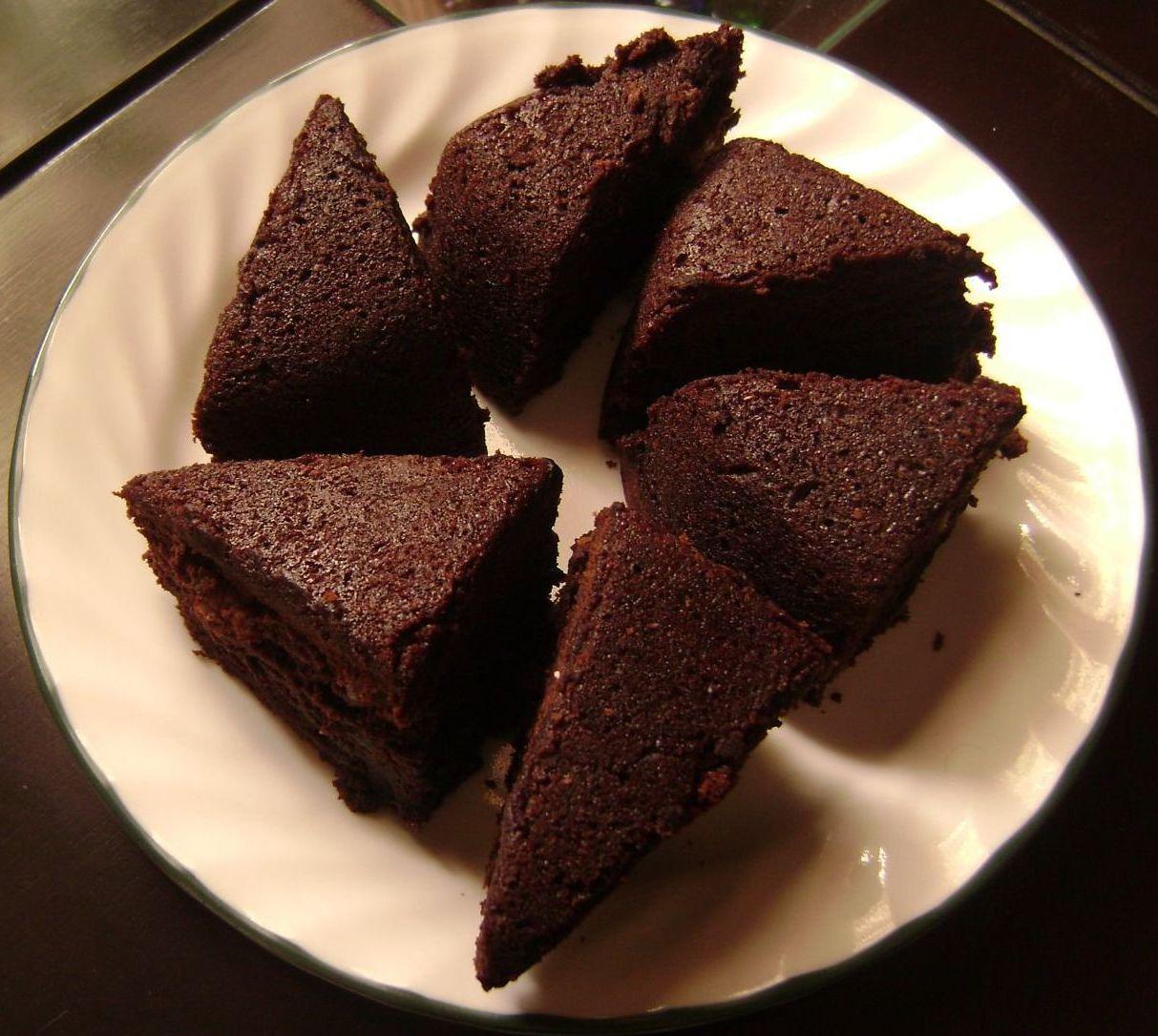 File:Home Made Chocolate Cake.jpg - Wikimedia Commons