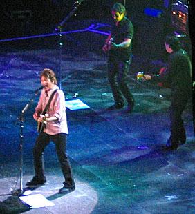 John Fogerty in concerto.