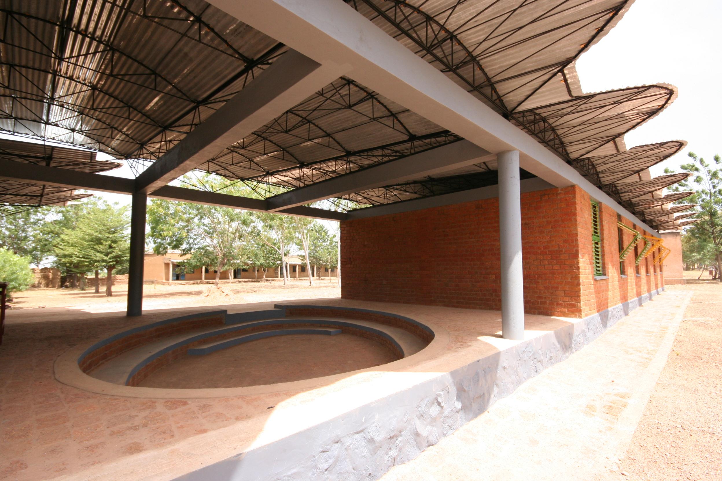 File Kere Secondary School Dano Jpg Wikimedia Commons
