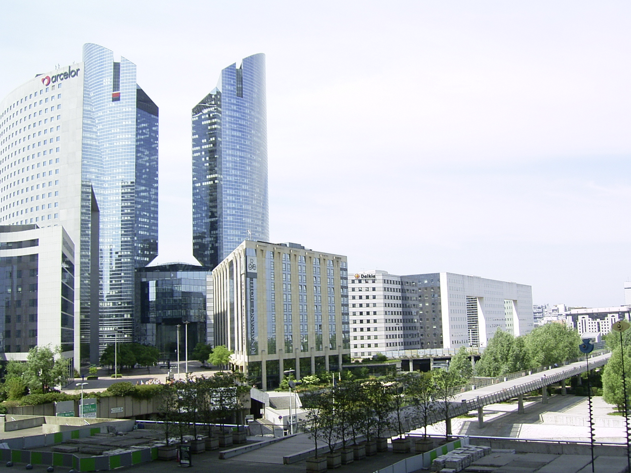 File:La Defense 4.jpg - Wikipedia, the free encyclopedia