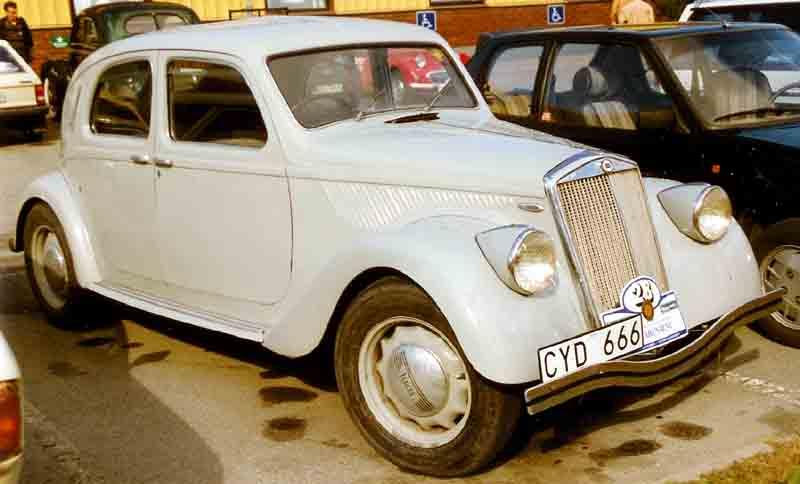 https://upload.wikimedia.org/wikipedia/commons/a/a2/Lancia_Aprilia_1939.jpg