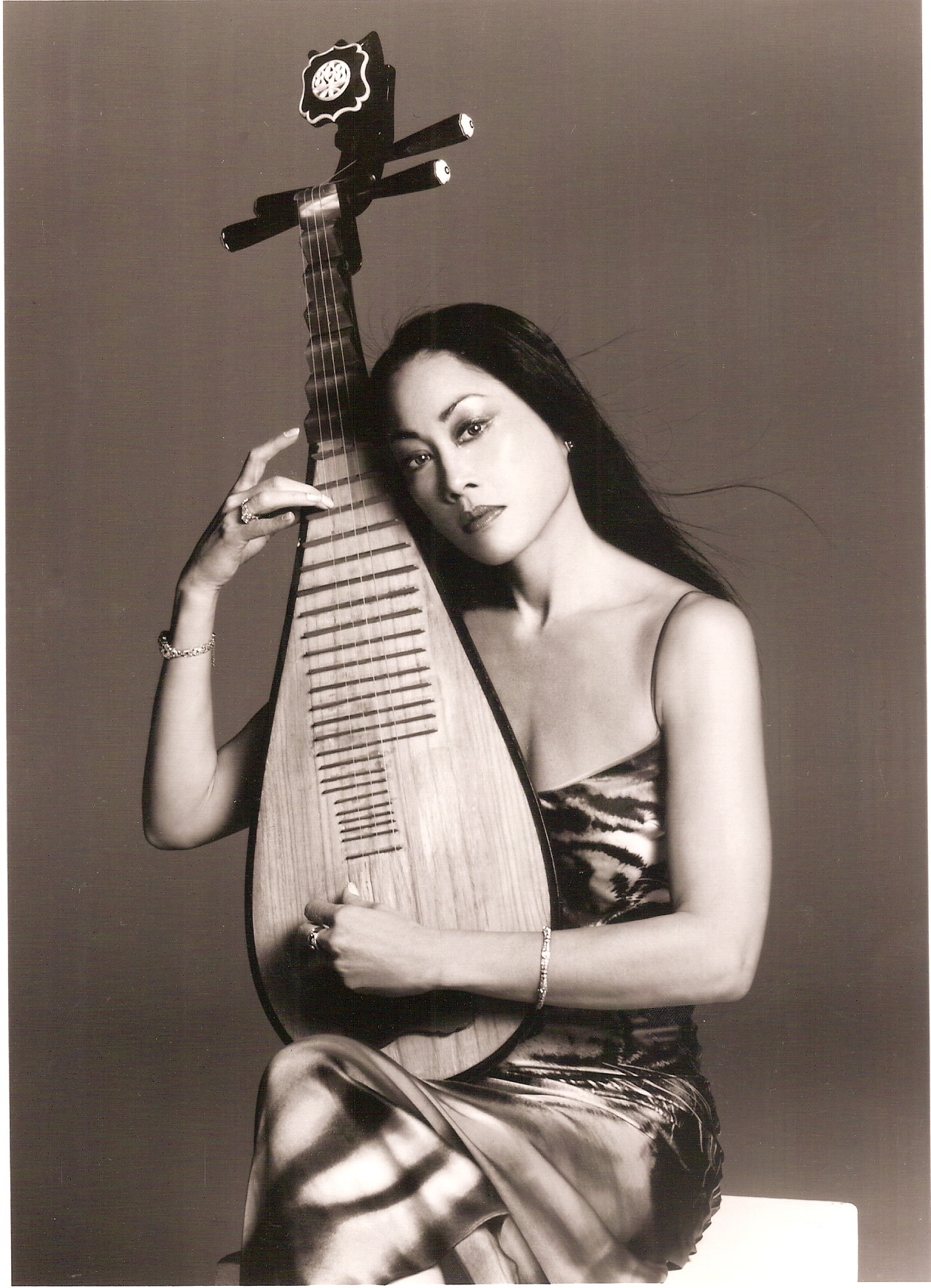Lucia Hwong - Wikipedia