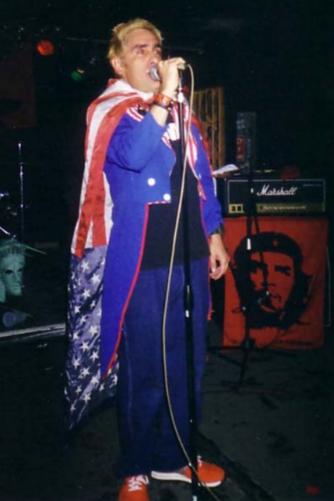 Luis Güereña durante una presentación.