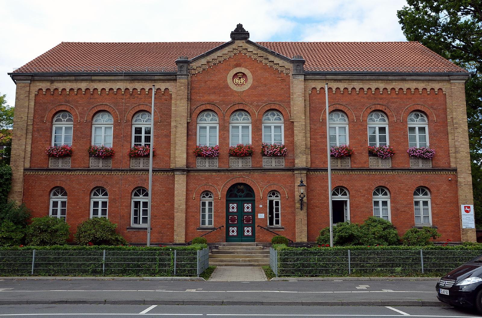 file m hlenstra e 8 celle blick auf die frontfassade vom heutigen amtsgericht ehemals 1857 58. Black Bedroom Furniture Sets. Home Design Ideas