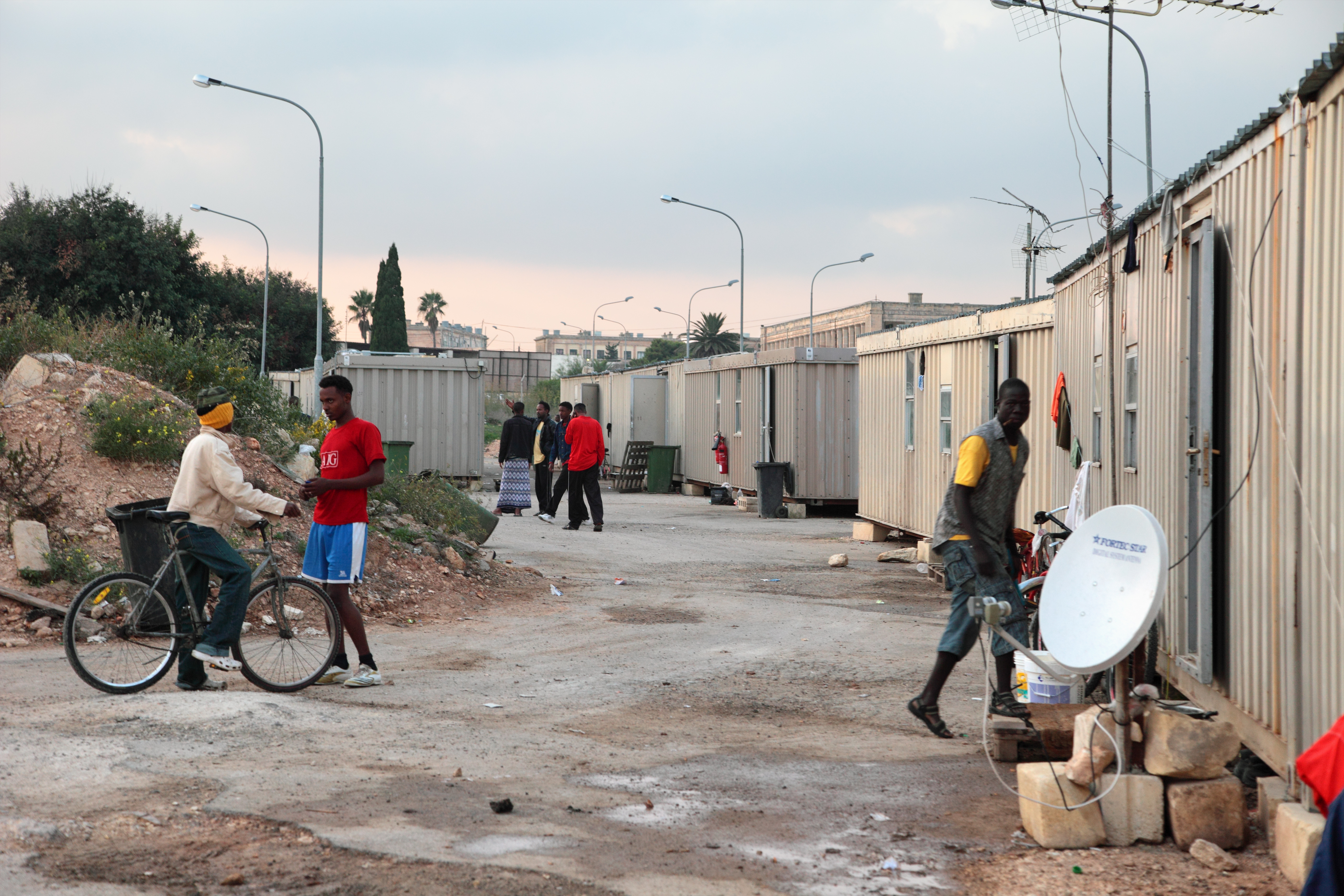 Flüchtlingslager in Ħal Far