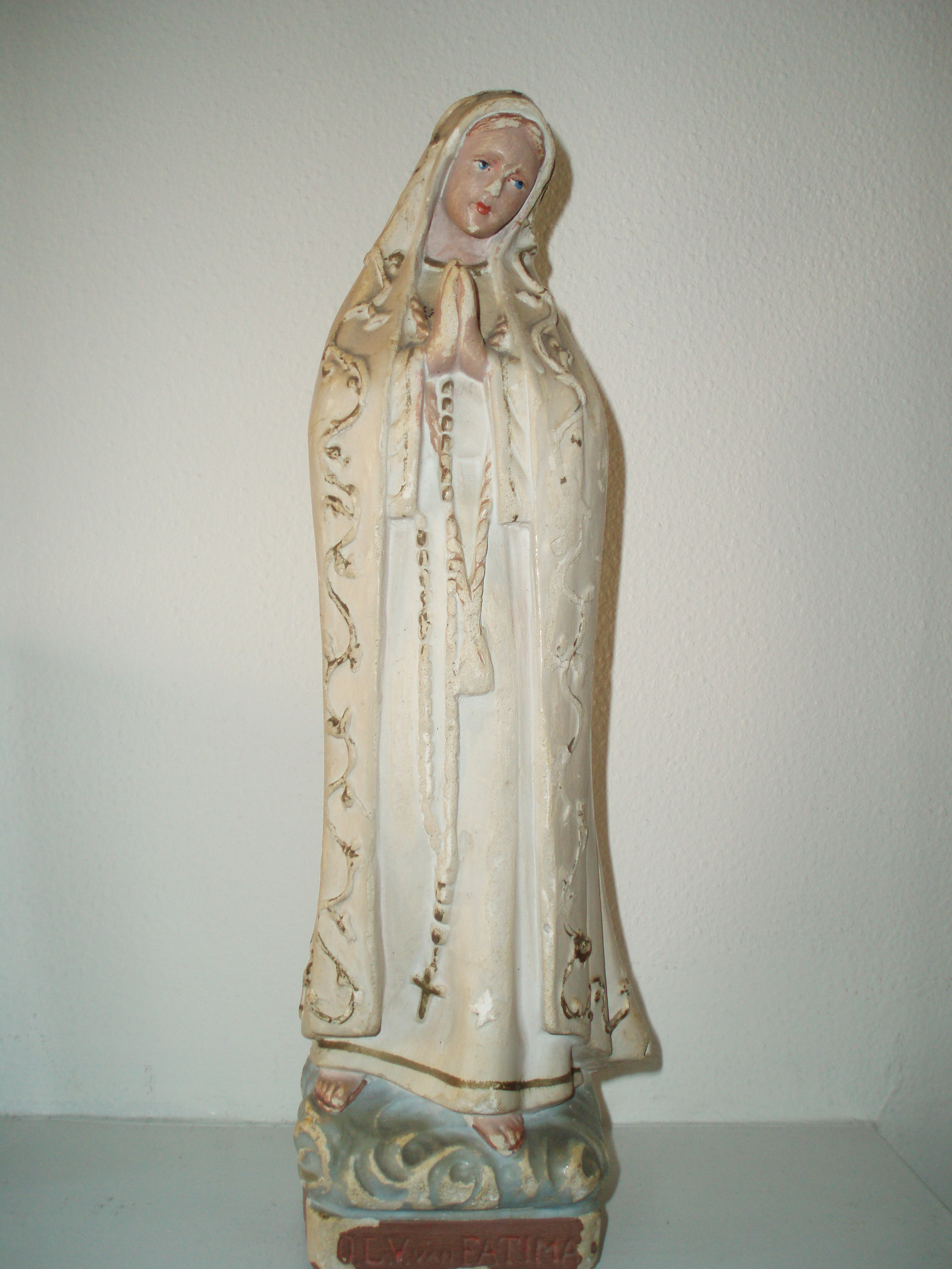Fileour Lady Of Fatima Statuettejpg Wikimedia Commons
