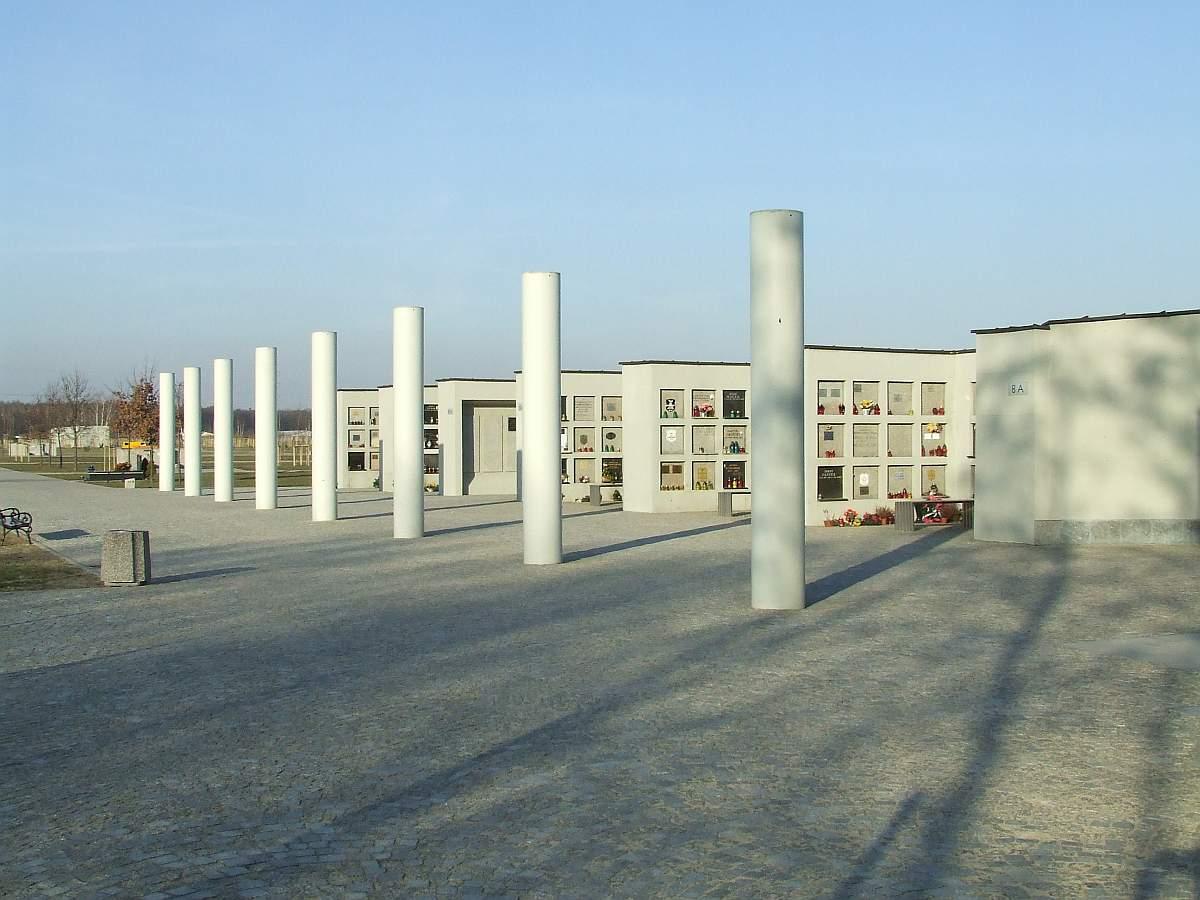 File:pl wolka weglowa cementery1jpg