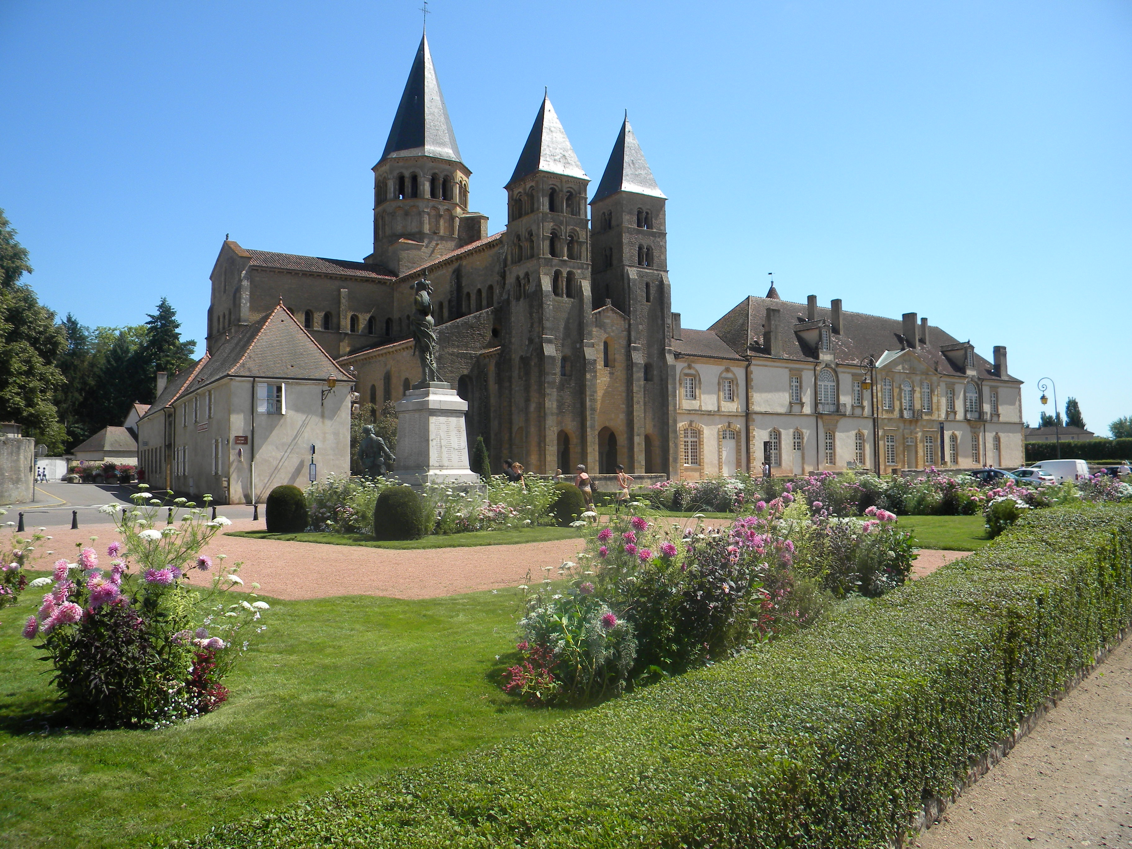 file paray le monial jpg wikimedia commons