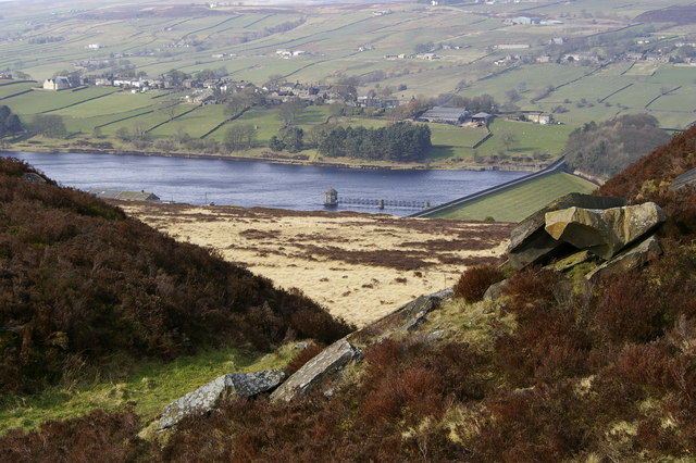 Penistone Hill Country Park and Lower Laithe Reservoir - geograph.org.uk - 364398