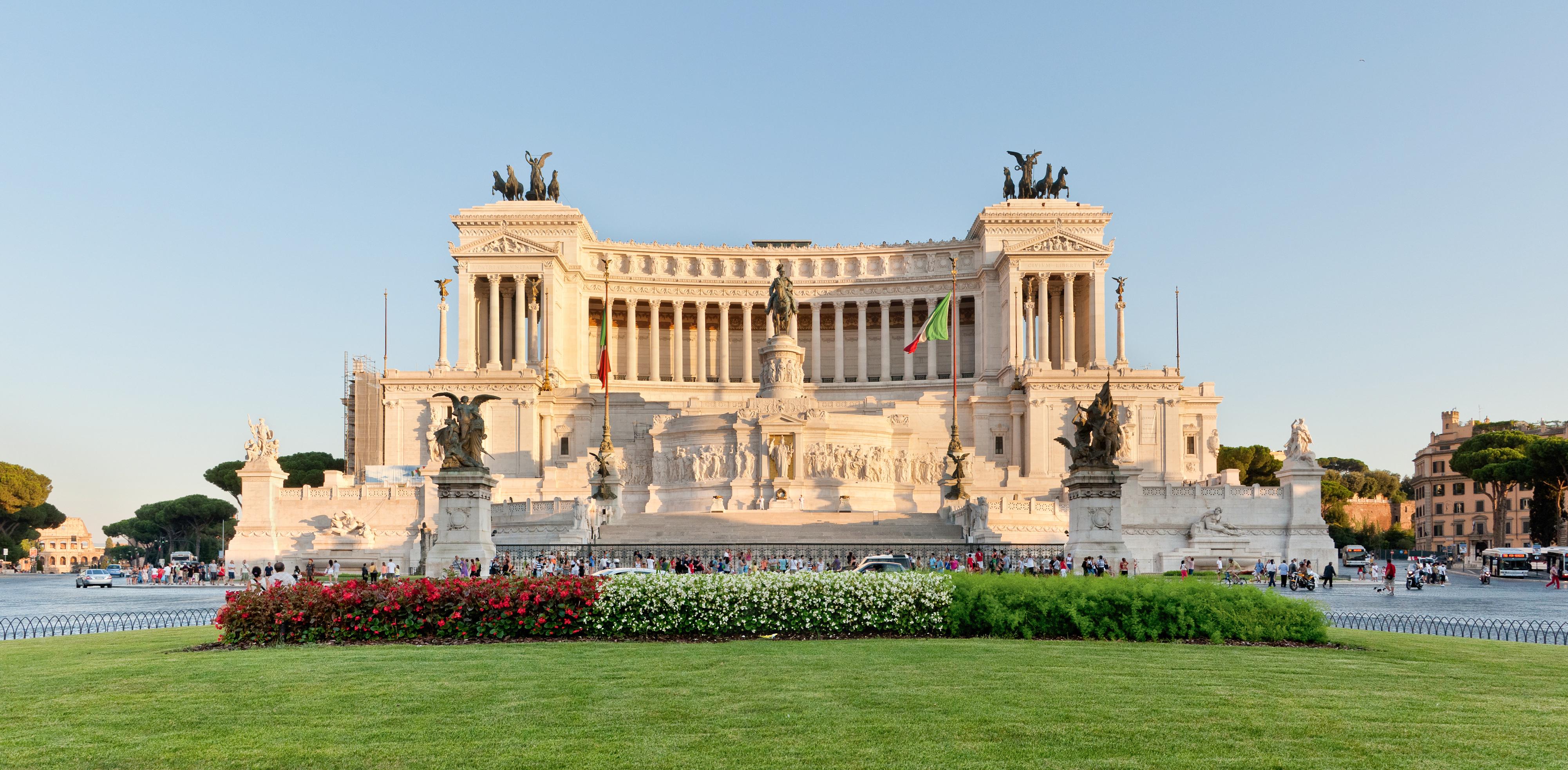 Casa Coppola Roma Rm victor emmanuel ii monument - wikipedia
