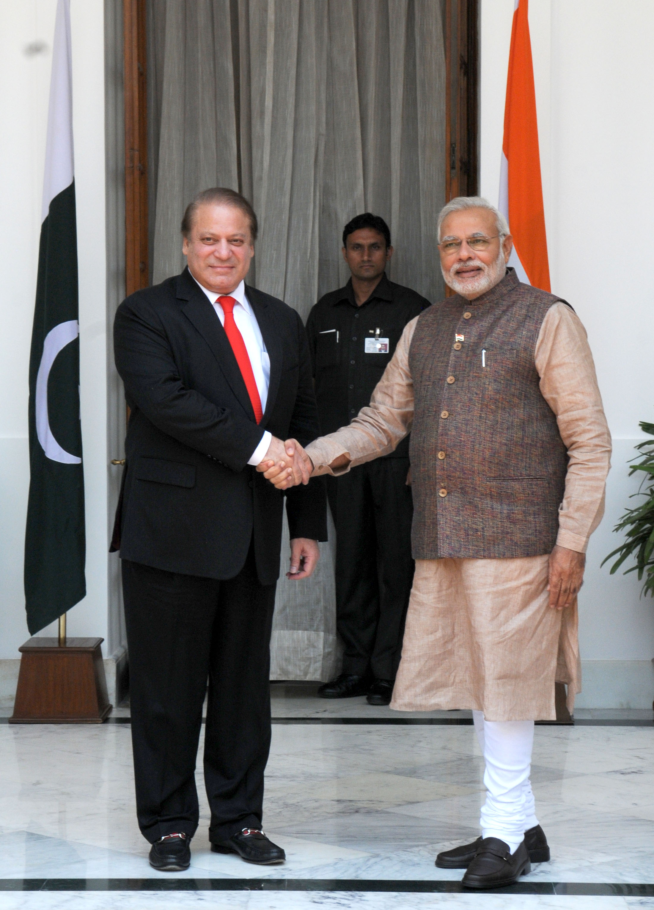 Pakistan's incumbent Prime Minister Nawaz Sharif with his Indian counterpart Narendra Modi