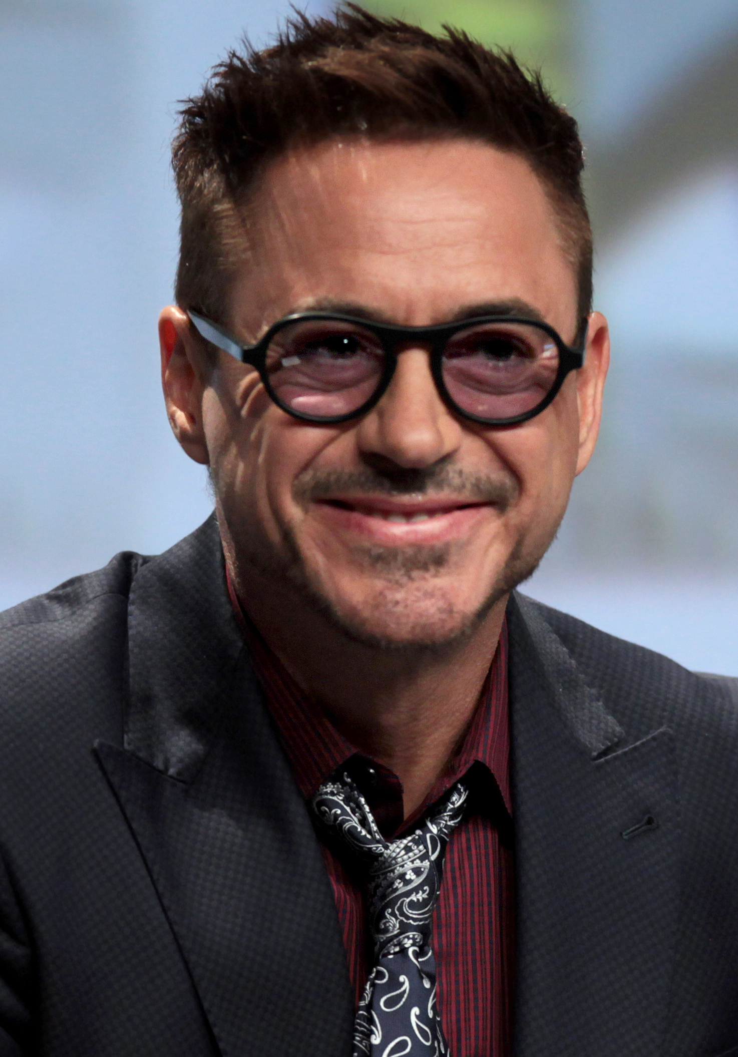 File:Robert Downey, Jr. SDCC 2014 (cropped).jpg ... Robert Downey