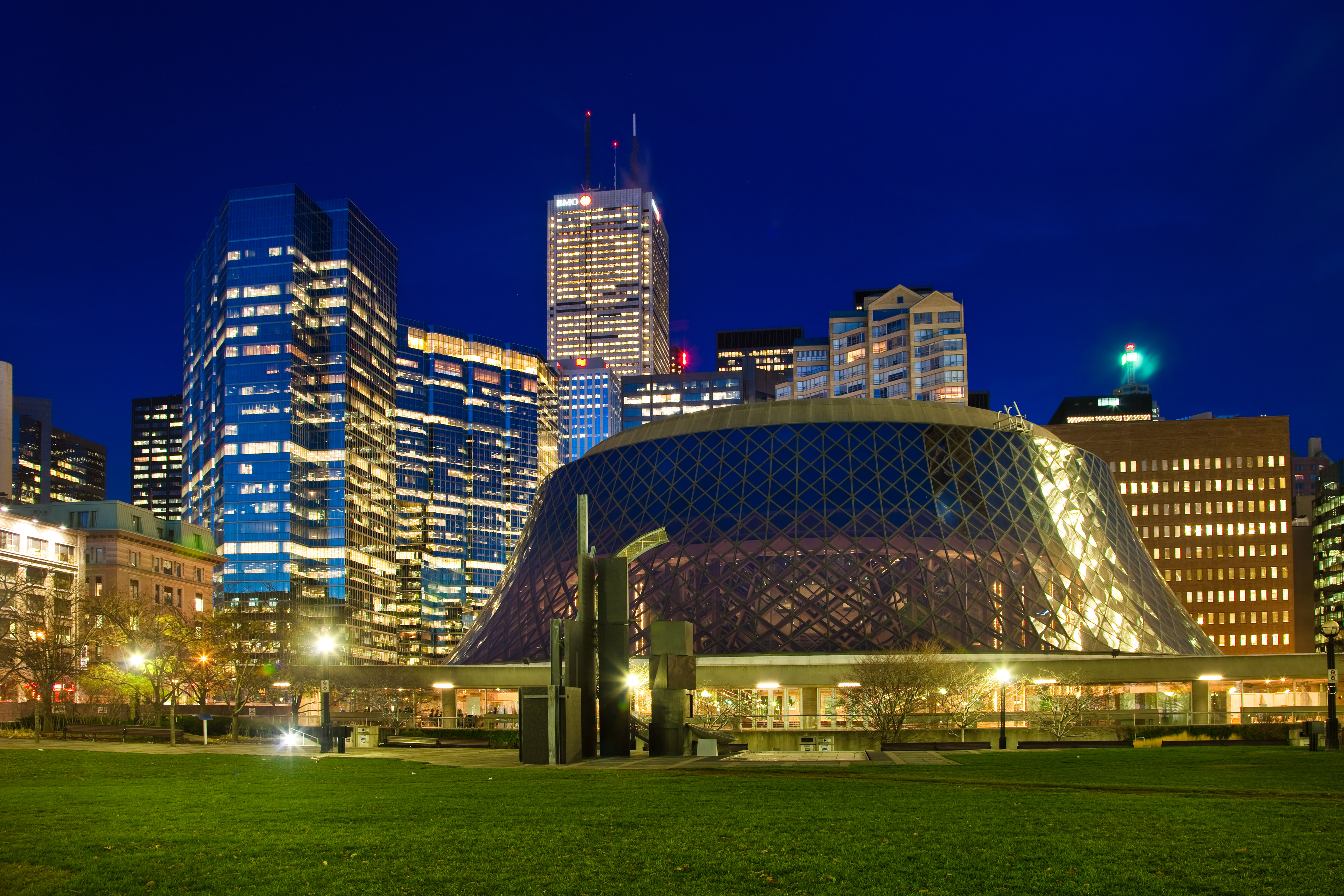 File:Roy Thomson Hall Toronto.jpg - Wikimedia Commons