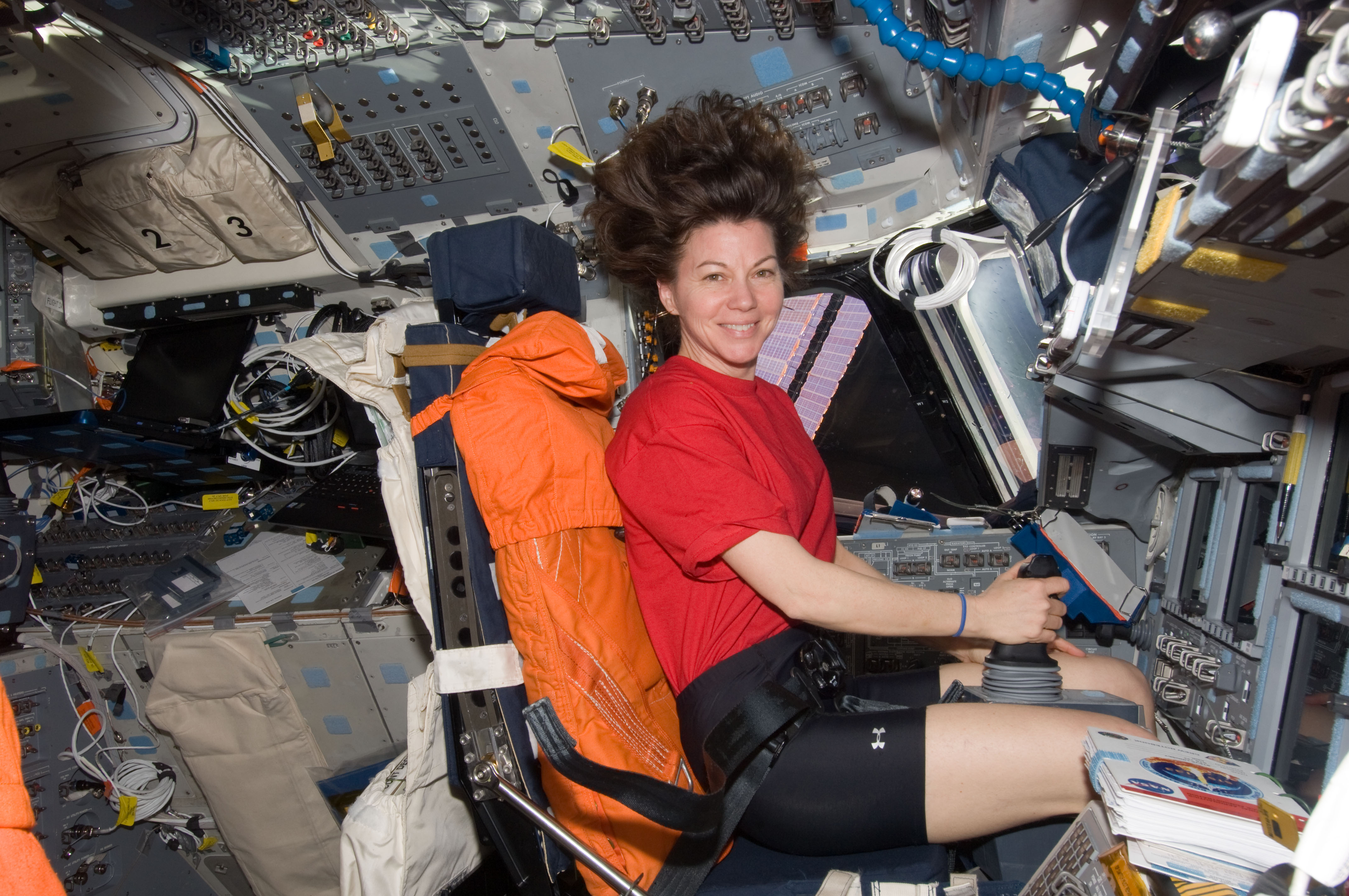 Sexy Female Astronaut - Pics about space