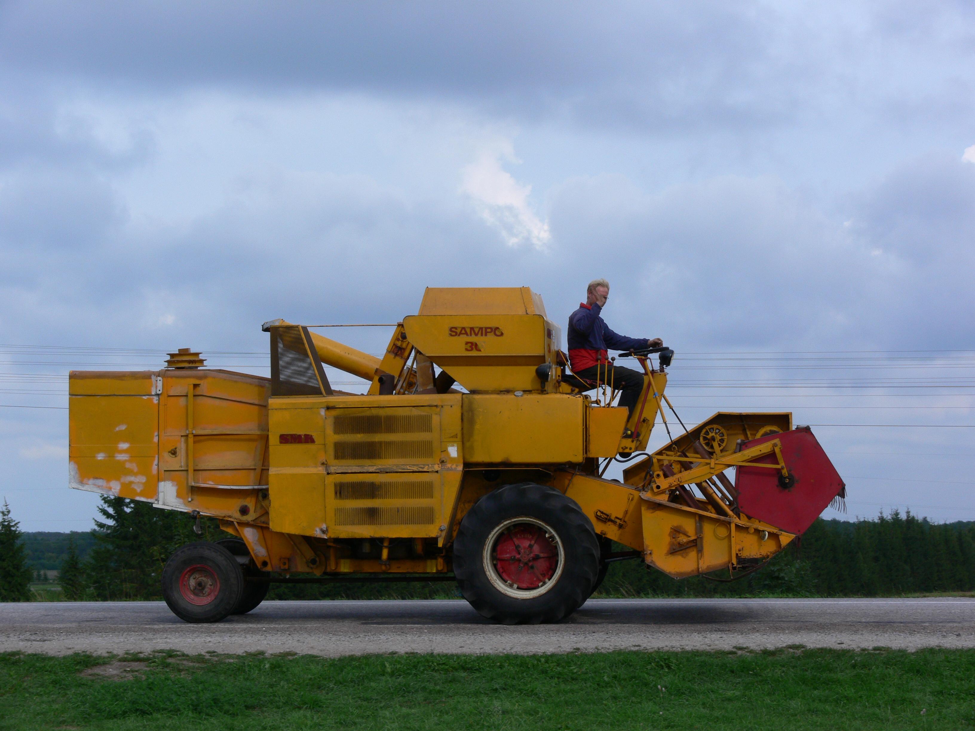 File:Sampo 30 combine harvester.jpg