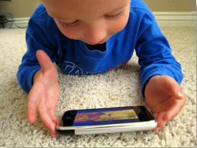 File:Smartphone as Child Toy.png