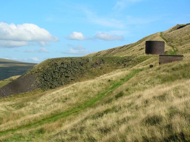 Spoil heap and ventilation shaft on Pule Hill - geograph.org.uk - 1482503