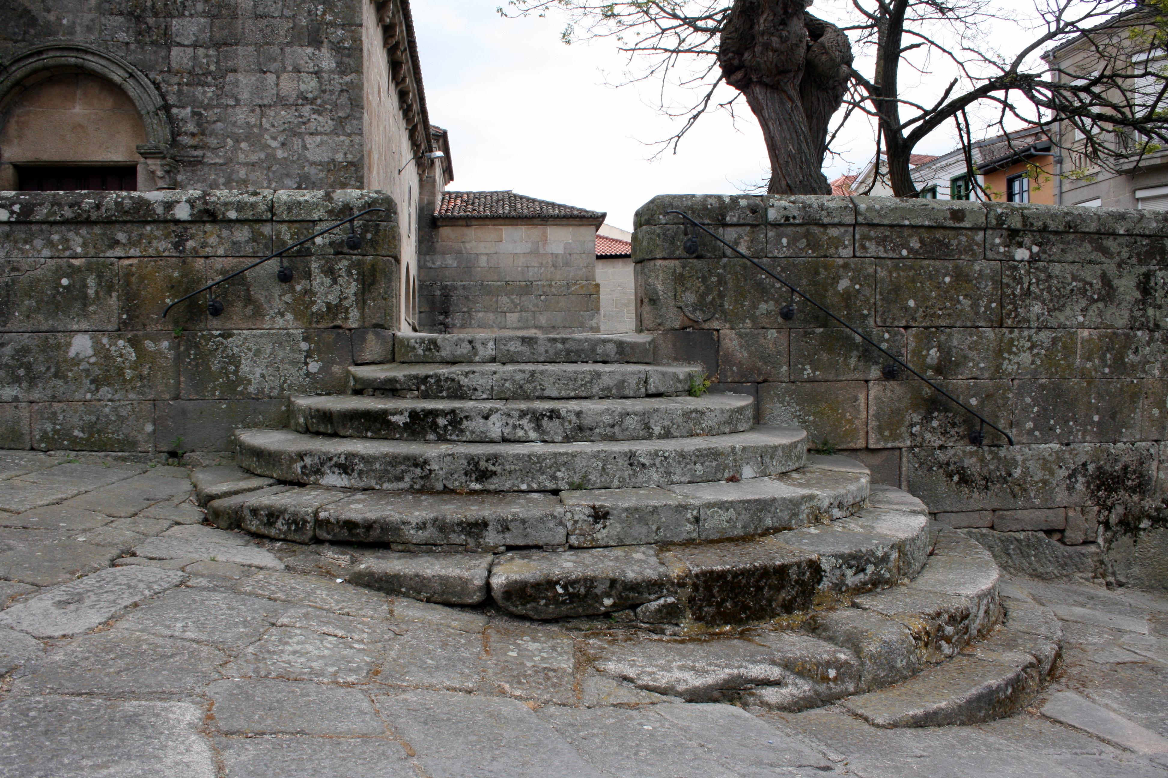 Allariz Spain  city photo : ... church in Allariz, Ourense, Galicia Spain Wikimedia Commons
