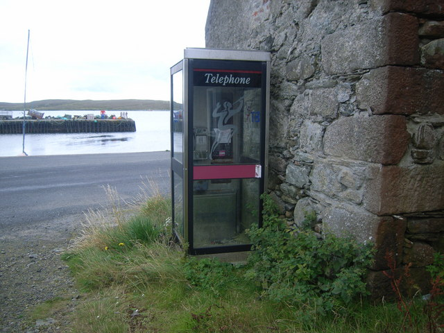 File:Telephone box at Uyeasound - geograph.org.uk - 955834.jpg