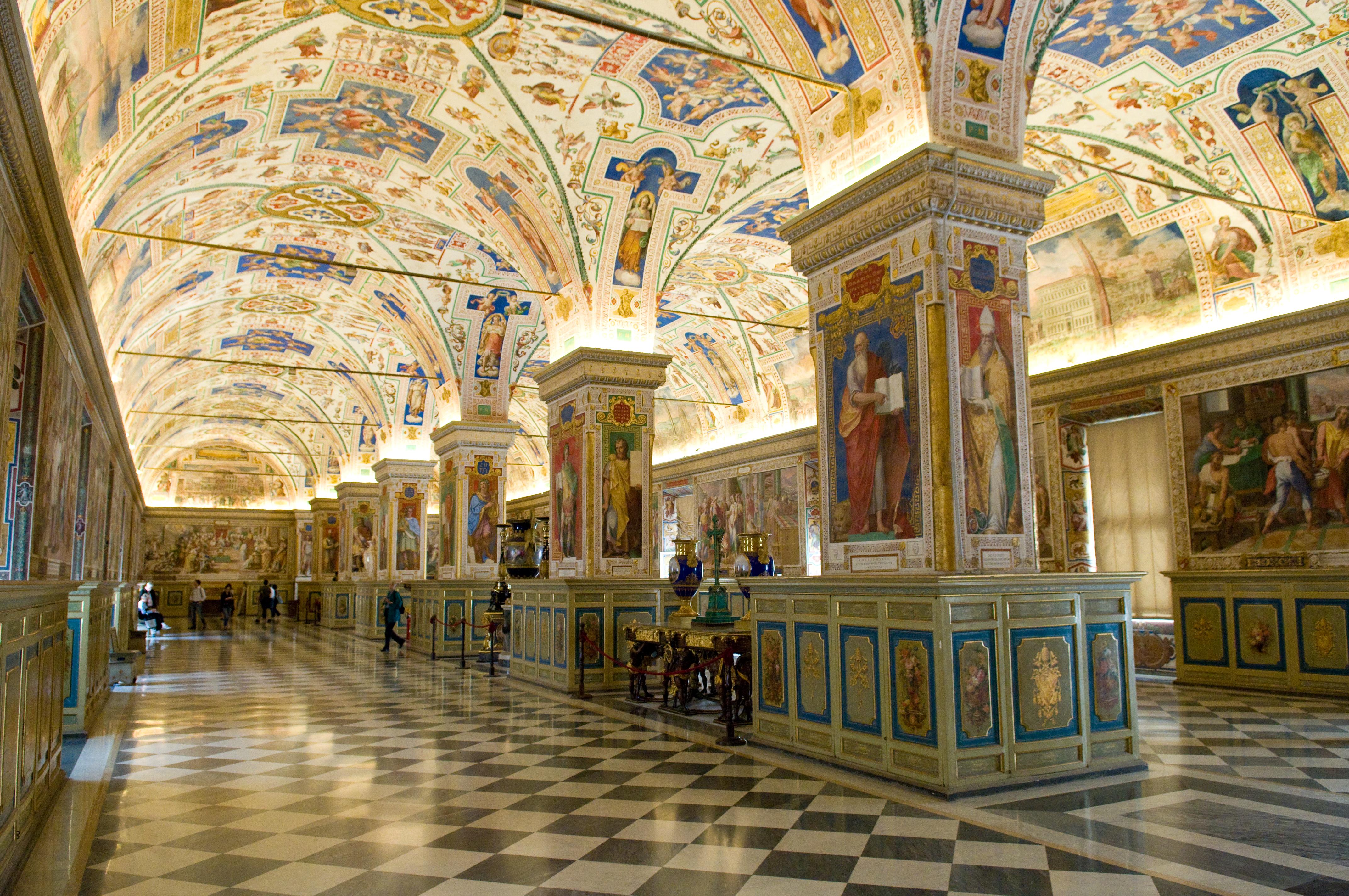 File the sistine hall of the vatican library 2994335291 - Plafond de la chapelle sixtine description ...