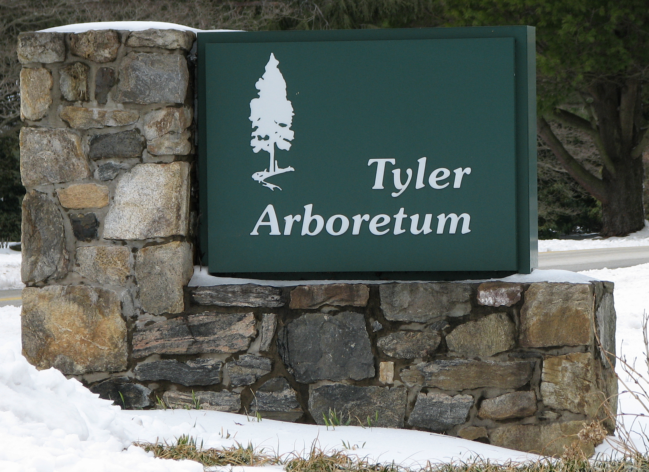 Tyler Arboretum Front Sign 2200px