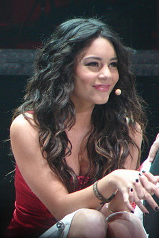 Vanessa Hudgens High School Musical Live (cropped).jpg