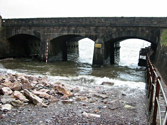 Viaduct near Holcombe - geograph.org.uk - 294271