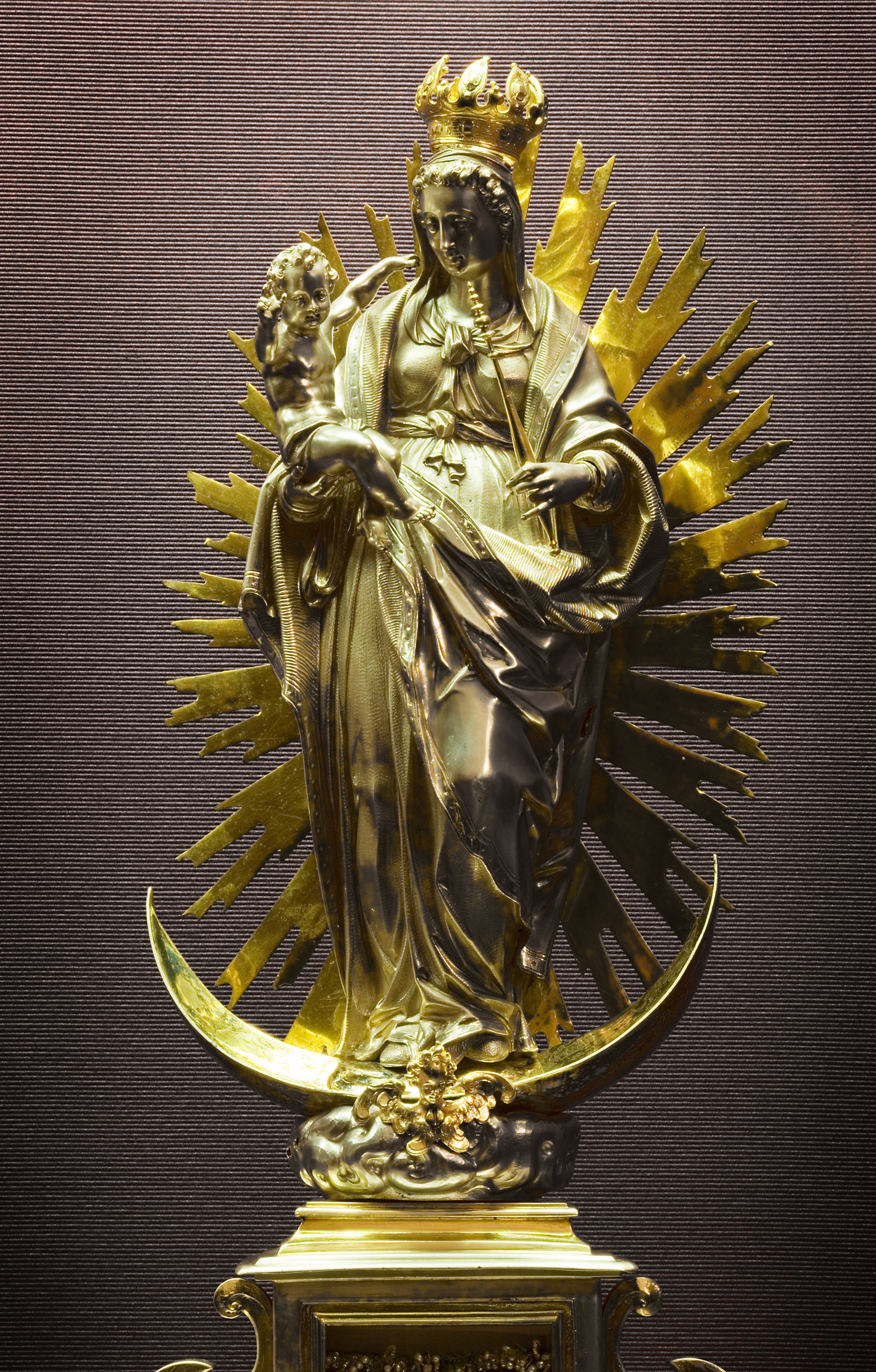 File:Vienna - Baroque gold religious sculpture Virgin Mary ...