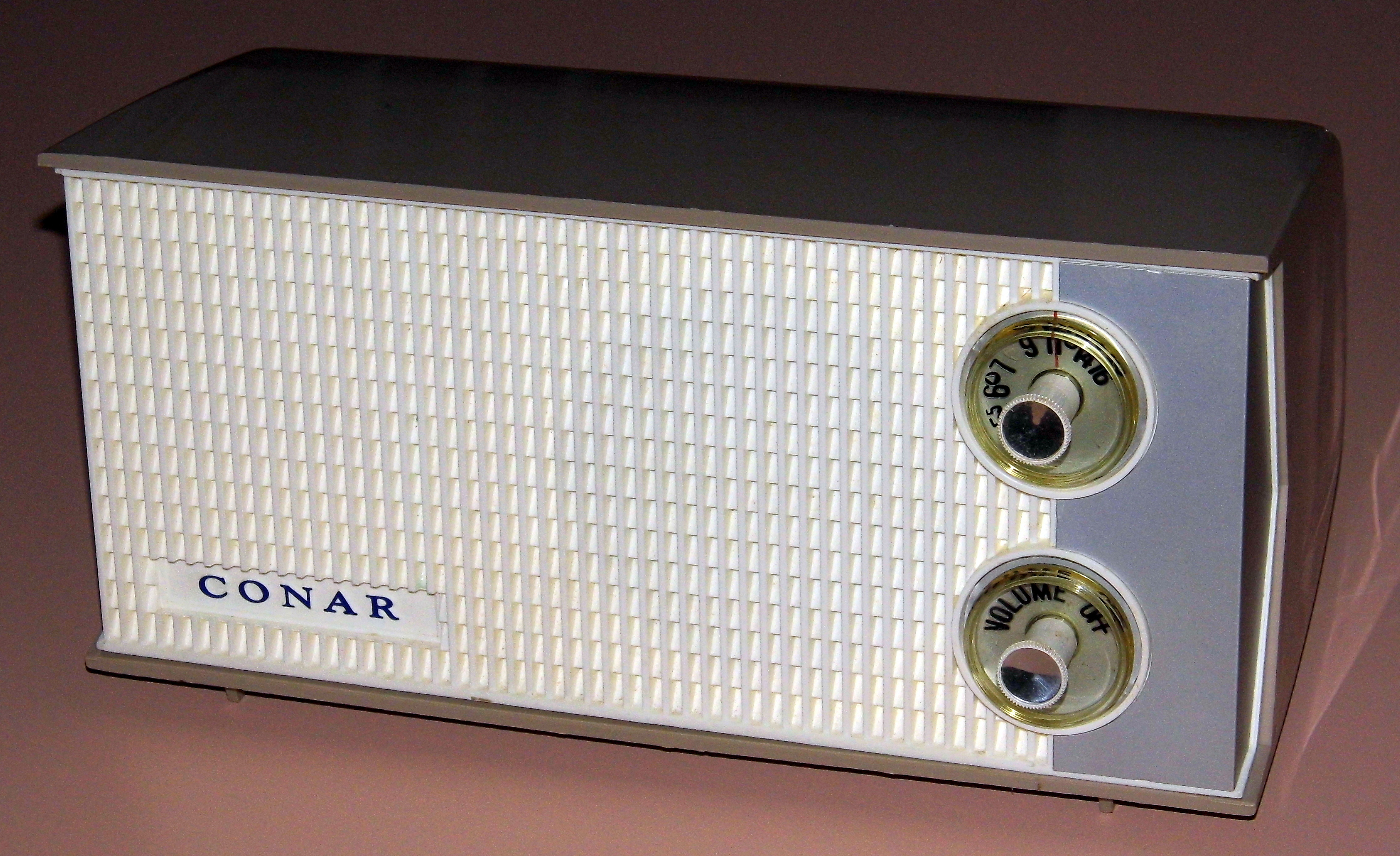 File:Vintage Conar Training Kit Radio From The National