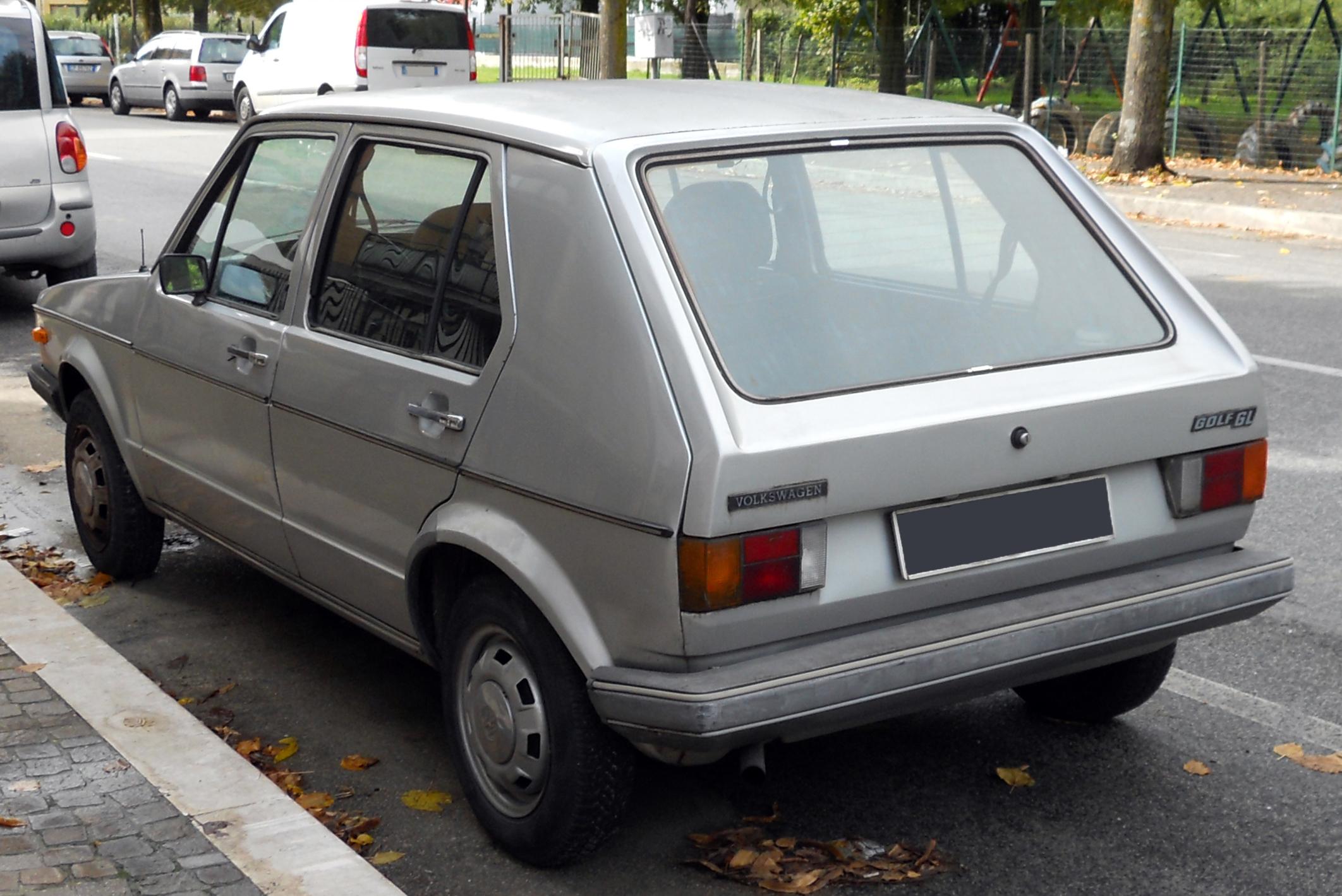 Volkswagen_Golf_GL_mk1_-_rear.jpg
