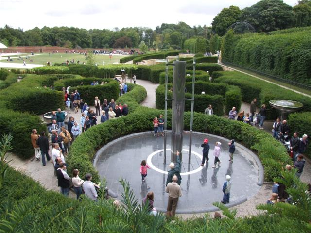 Water feature at Alnwick Garden - geograph.org.uk - 218163