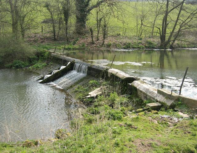 Weir - geograph.org.uk - 383779