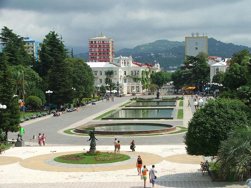 http://upload.wikimedia.org/wikipedia/commons/a/a3/%E1%83%91%E1%83%90%E1%83%97%E1%83%A3%E1%83%9B%E1%83%98_19_Batumi.jpg
